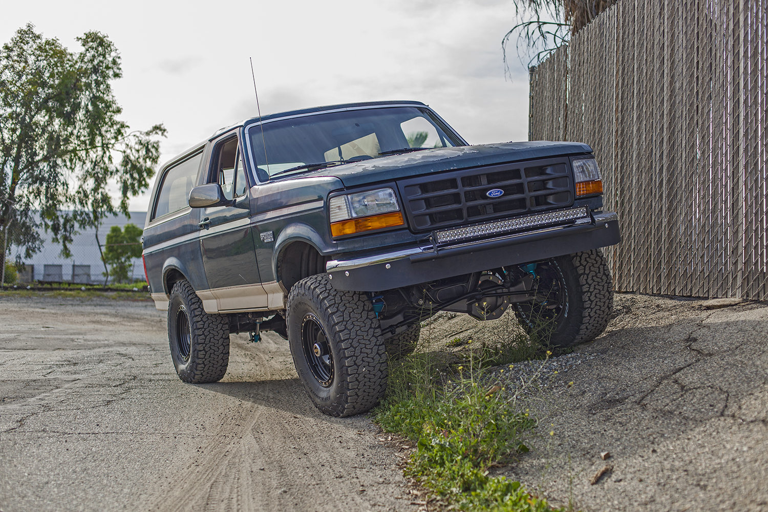 Mikes 1995 Bronco Desolate Motorsports Ford Paint Jobs About The Vehicle